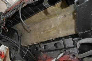 4wd Dämmatten mit eingeschweißten Tankhalter